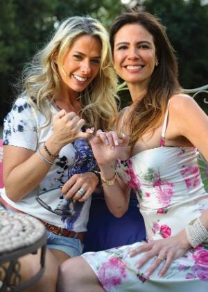 """Adriane Galisteu e Luciana Gimenez posam para a revista """"Contigo!"""" (outubro/2011)"""