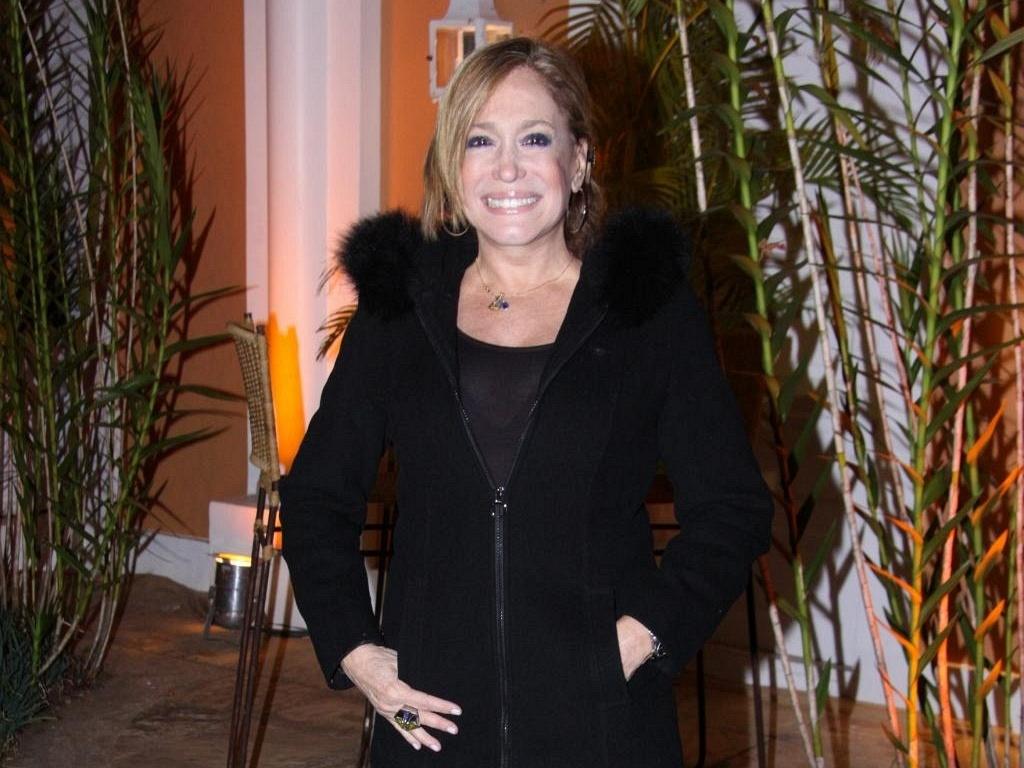 Susana Vieira vai à pousada e restaurante Locanda Della Mimosa, em Petrópolis, região serrana do Rio (22/10/11)