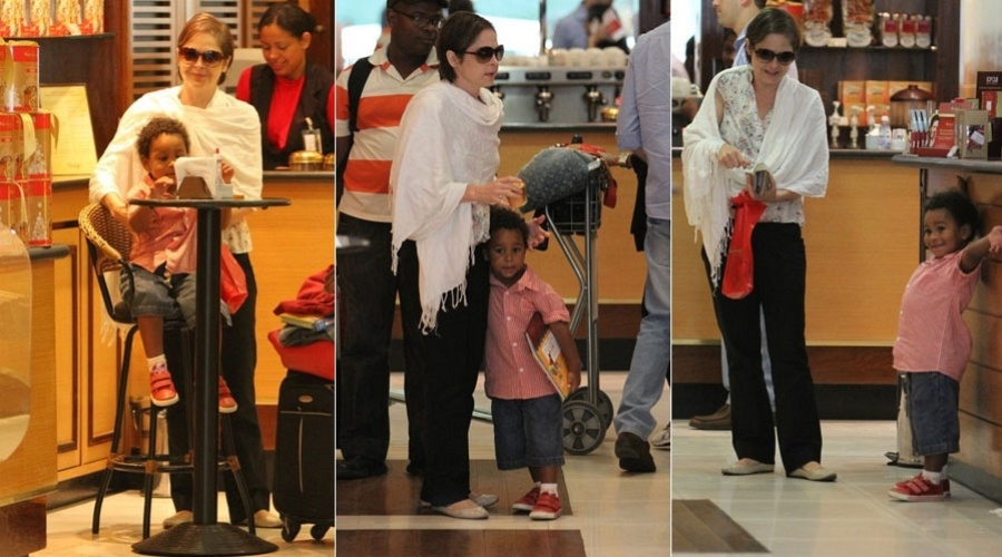 Drica Moraes passeia com o filho Mateus no aeroporto Santos Dumont, no Rio (21/11/11)