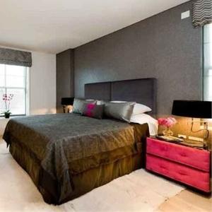 Kristen Stewart e Robert Pattinson dividem apartamento em Londres (2011)