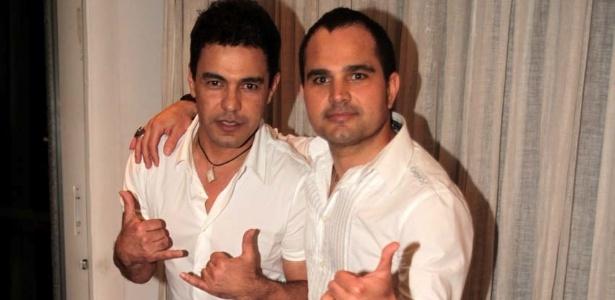 Zezé Di Camargo e Luciano nos bastidores do Show da Virada (22/11/11)