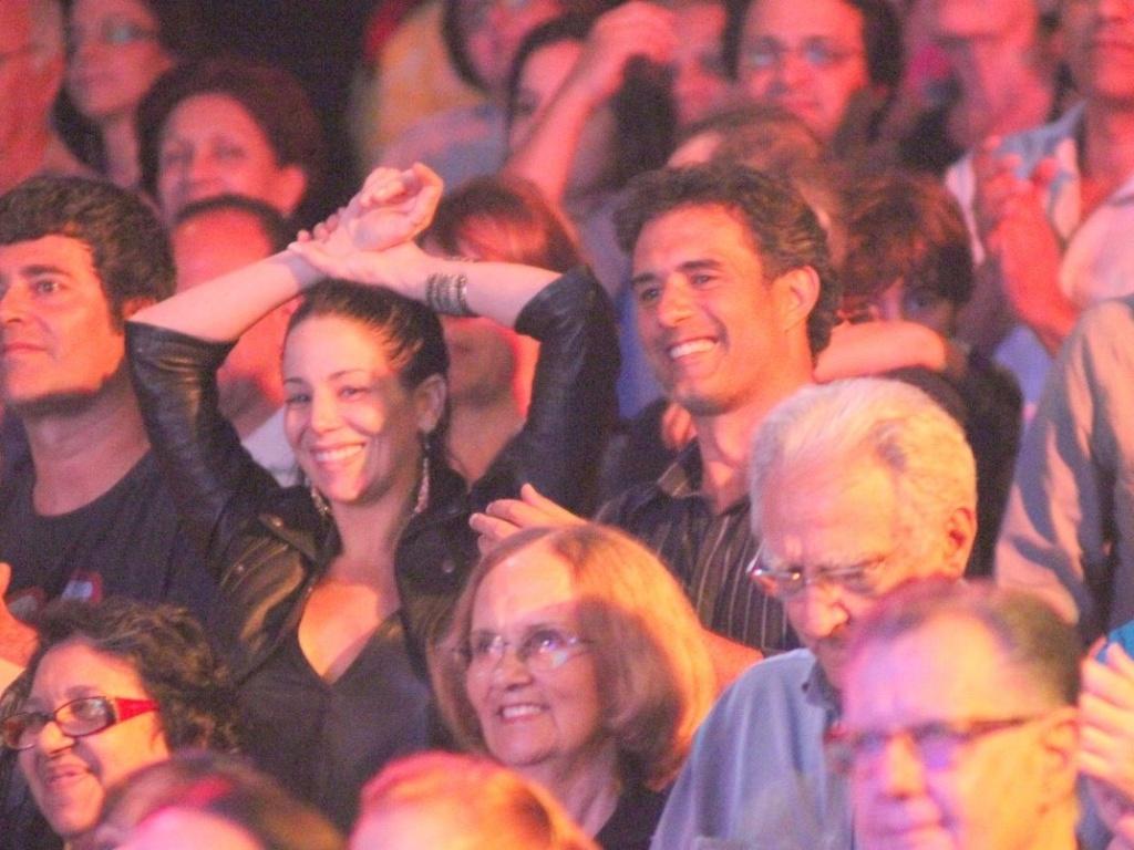 Danielle Winits e Marcos Pasquim vão a musical no Rio de Janeiro (27/11/11)