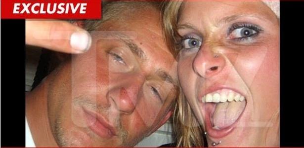 Site TMZ divulga foto de Mariah Yeater, mãe do suposto filho de Justin Bieber, com o ex (28/11/11)