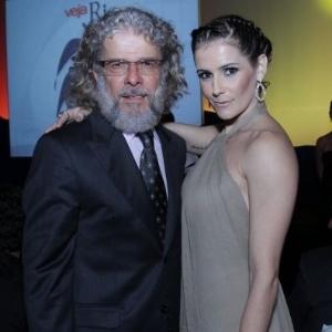 Depois de ganhar prêmio de melhor atriz coadjuvante da televisão, Deborah Secco e José Mayer são homenageados pela revista
