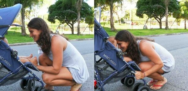 Priscila Fantin paparica o filho em passeio pela Barra da Tijuca, Rio de Janeiro (02/12/2011)