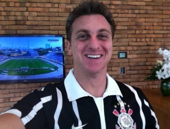Luciano Huck comemora título do Corinthians