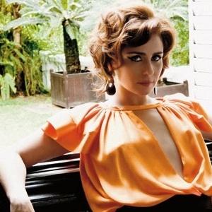 Giovanna Antonelli é entrevistada pela revista