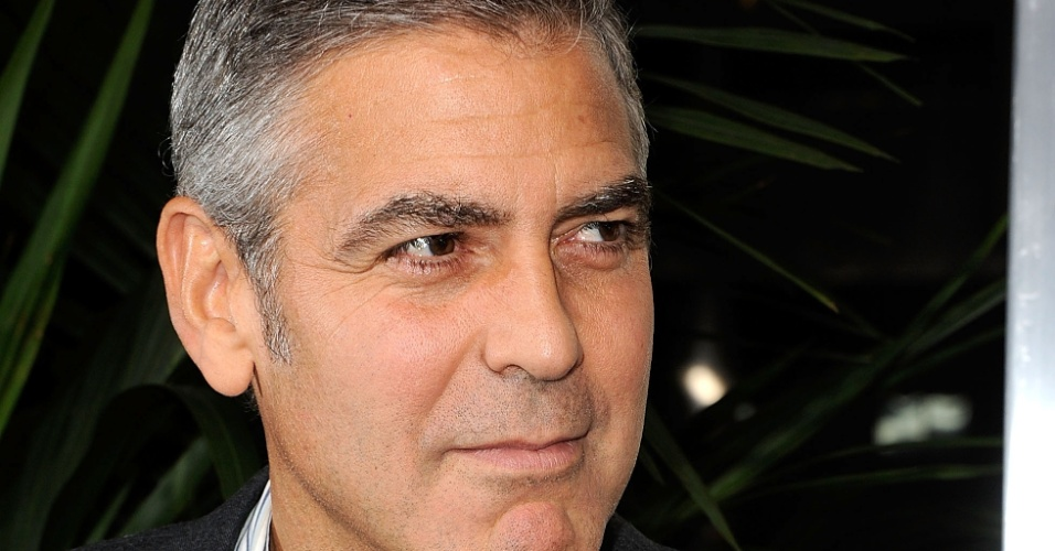 O ator George Clooney na estreia de 