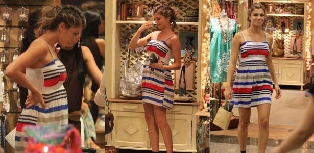 Grazi Massafera vai às compras em um shopping na zona oeste do Rio de Janeiro (21/12/11)