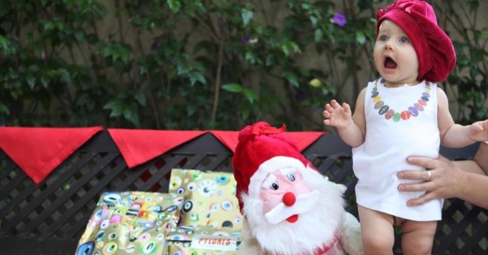 Fabio Assunção postou foto no Facebook de sua filha, Ella Felippa, para desejar Feliz Natal aos internautas (24/12/11)
