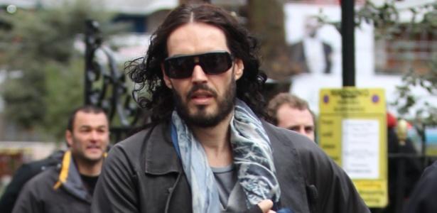 Após se separar de Katy Perry, Russell Brand circula pelo centro de Londres sozinho (3/01/12)