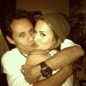 Marc Anthony e a nova namorada, a modelo Shannon De Lima (05/01/2012)