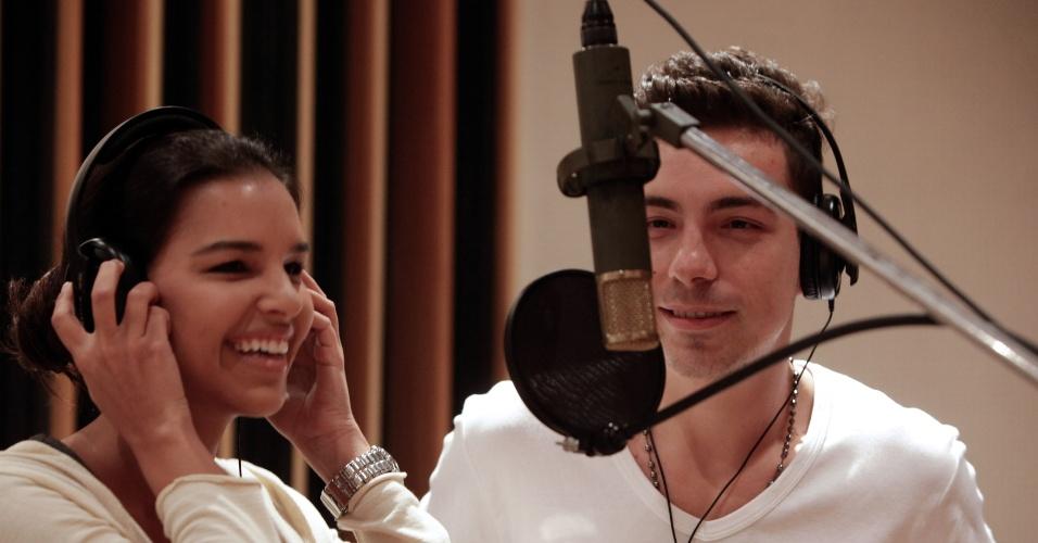Mariana Rios e Di Ferrero gravam