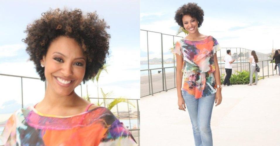 Sheron Menezes circula pelo Fashion Rio, evento de moda que acontece no Rio de Janeiro, no Píer Mauá (13/1/2012)