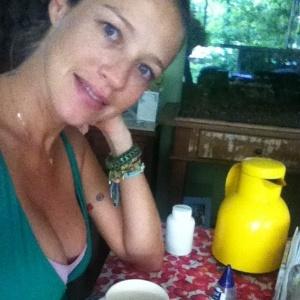 Luana Piovani posta foto no Twitter (16/1/2012)