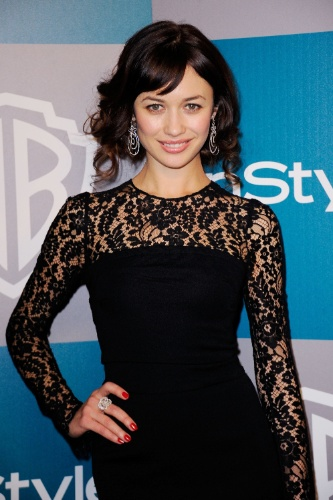 A atriz Olga Kurylenko chega à after party do Globo de Ouro em Los Angeles (15/1/12)