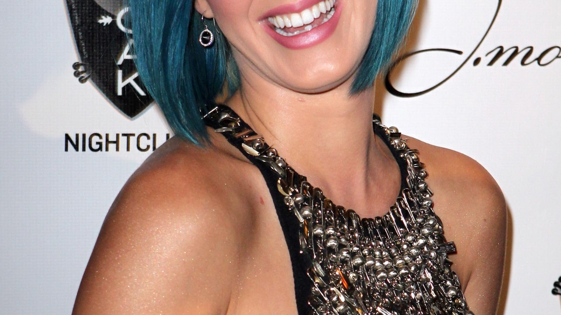 Katy Perry vai a evento em Las Vegas (28/12/12)