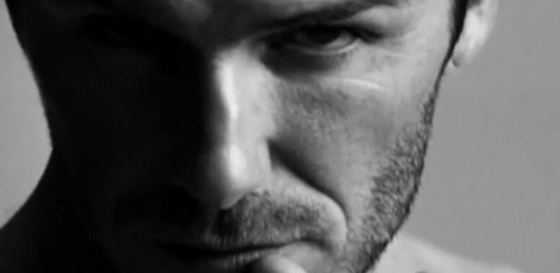 David Beckham estrela novo comercial de cuecas