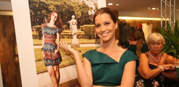 Nathália Dill prestigia o coquetel de lançamento da coleção de inverno da loja Mercatto, da qual é garota propaganda , no Rio (5/3/2012)