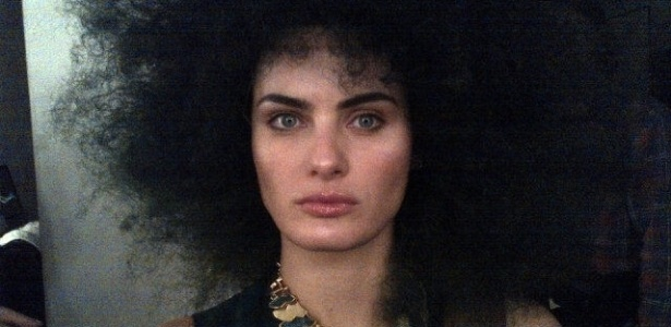 Isabeli Fontana exibe seu cabelo