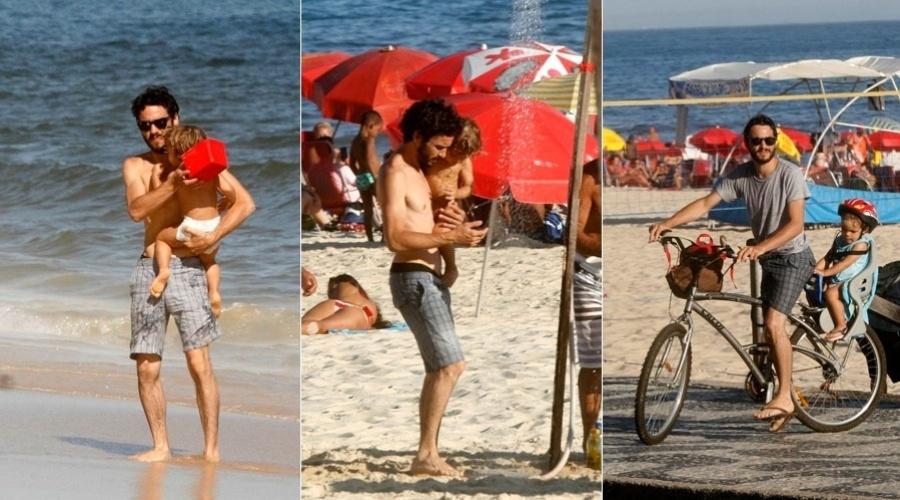 Caio Blat curte praia com o filho no Leblon, zona sul do Rio (25/1/12)