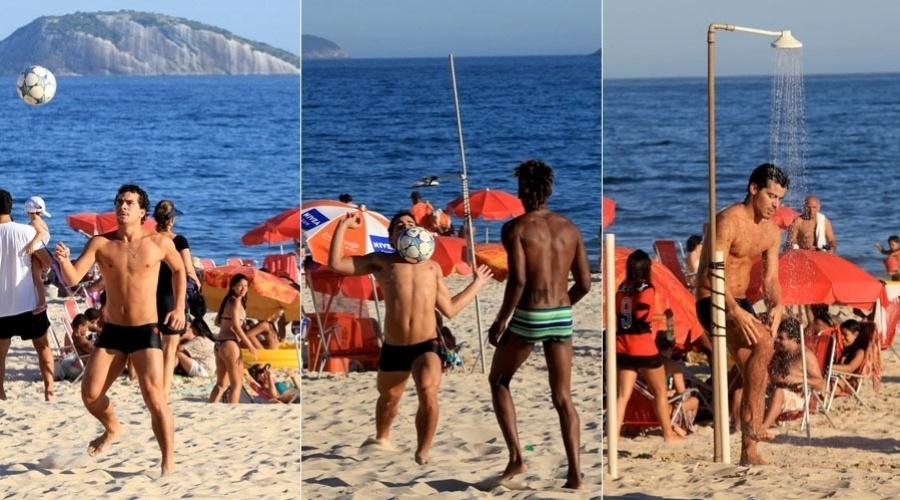 Thiago Martins joga futebol na praia do Leblon, zona sul do Rio de Janeiro (25/1/12)