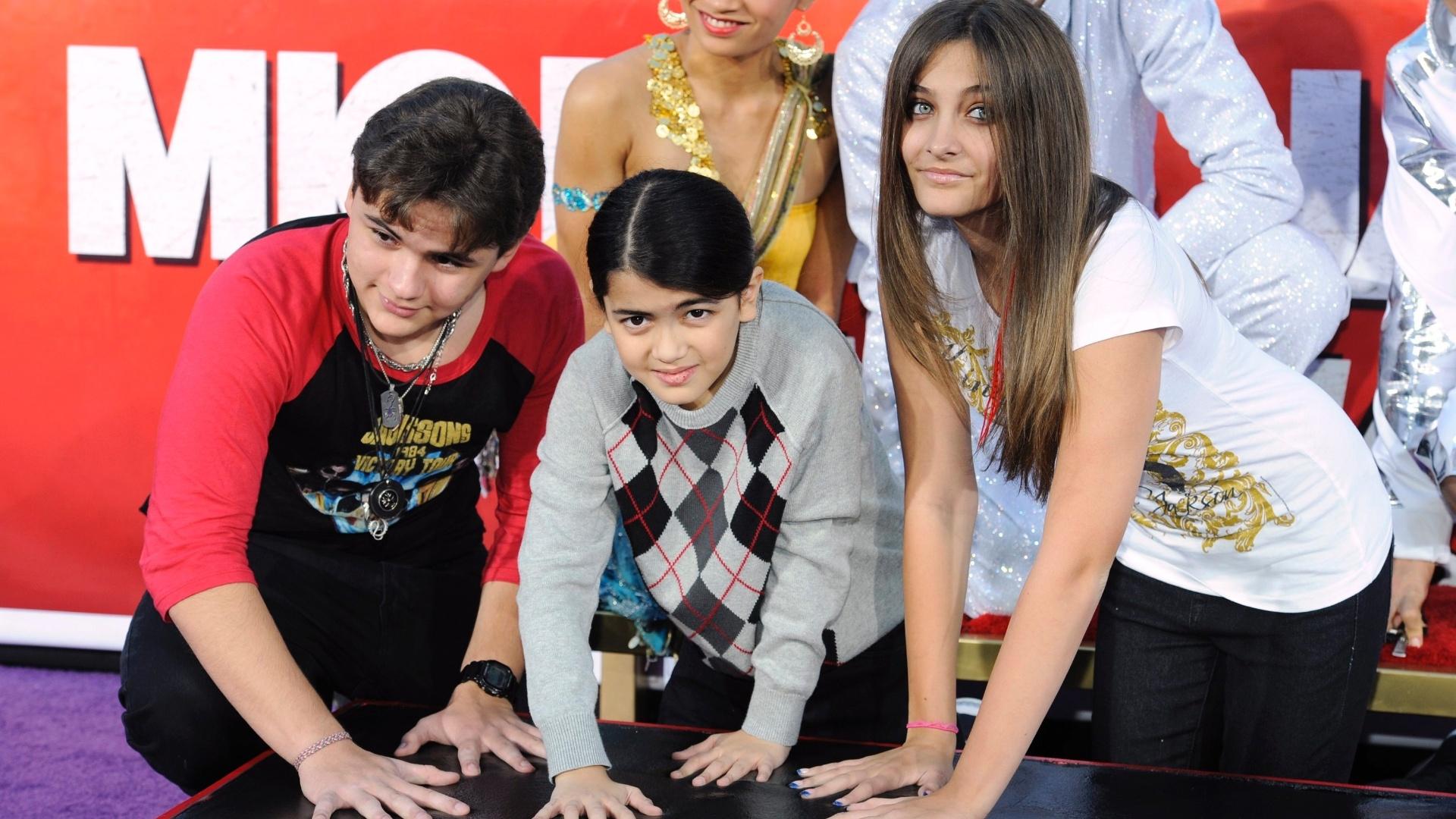 Filhos de Michael Jackson participam de homenagem ao pai em Hollywood