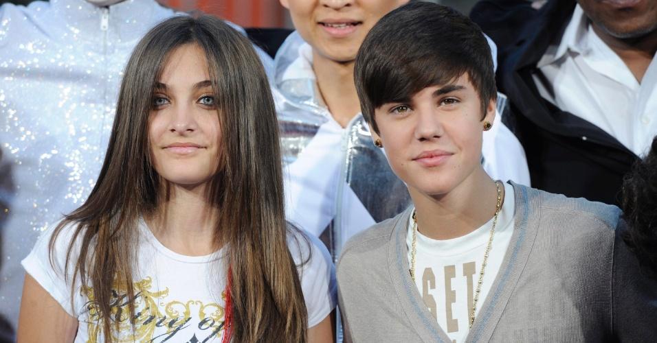 Paris Jackson e Justin Bieber participam de homenagem à Michael Jackson