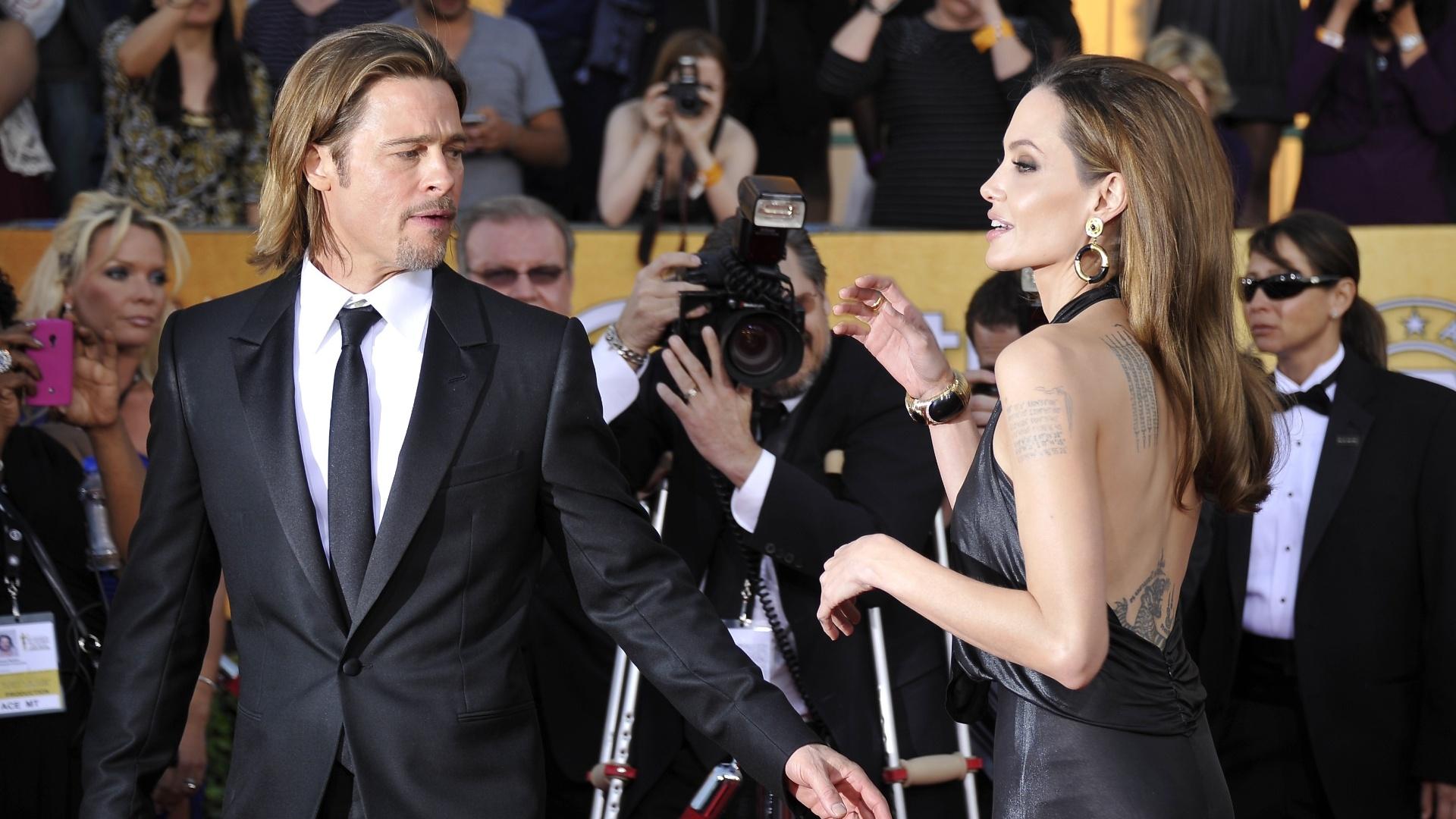 O casal Angelina Jolie e Brad Pitt chegam ao Screen Actors Guild Awards em Los Angeles. Brad Pitt está concorrendo ao prêmio de Melhor Ator pelo filme