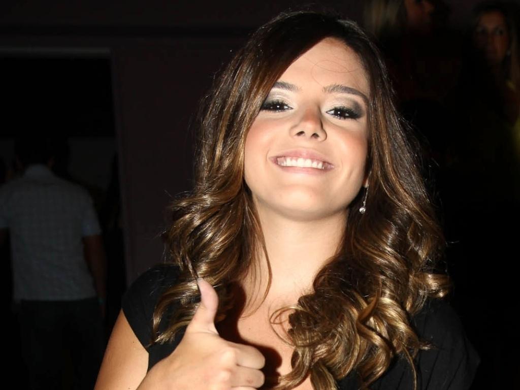 Atriz Giovanna Lancellotti prestigiou o jogador Neymar em sua festa de 20 anos em São Paulo (5/2/12)