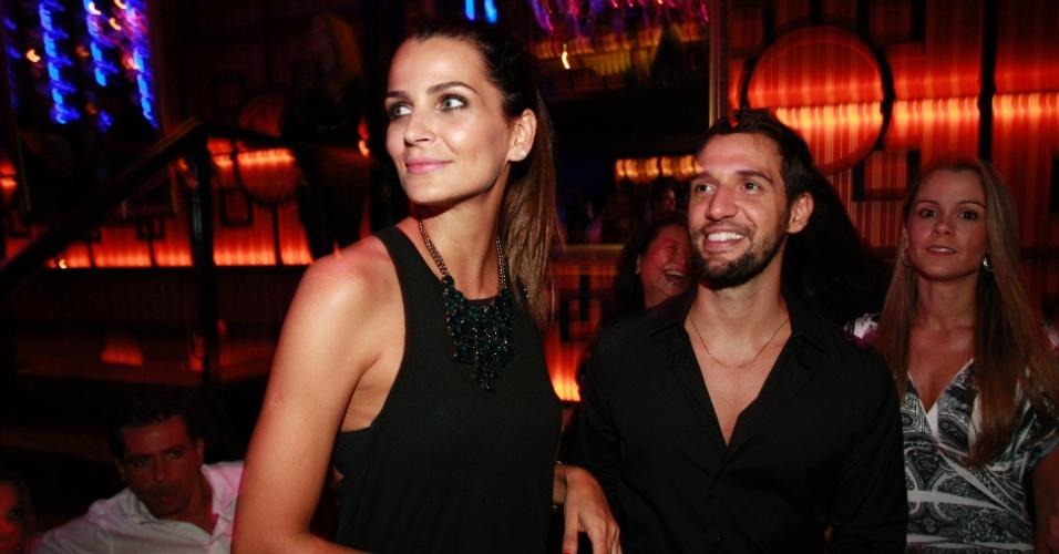 Fernanda Motta e Dorival Neto durante a festa de Sabrina Sato em São Paulo (6/2/12)