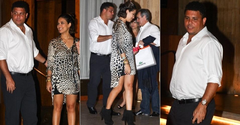 O ex-jogador de futebol Ronaldo comemorou ao lado da mulher, Bia Anthony, e dos amigos, um ano de aposentado durante jantar em São Paulo (14/2/12)