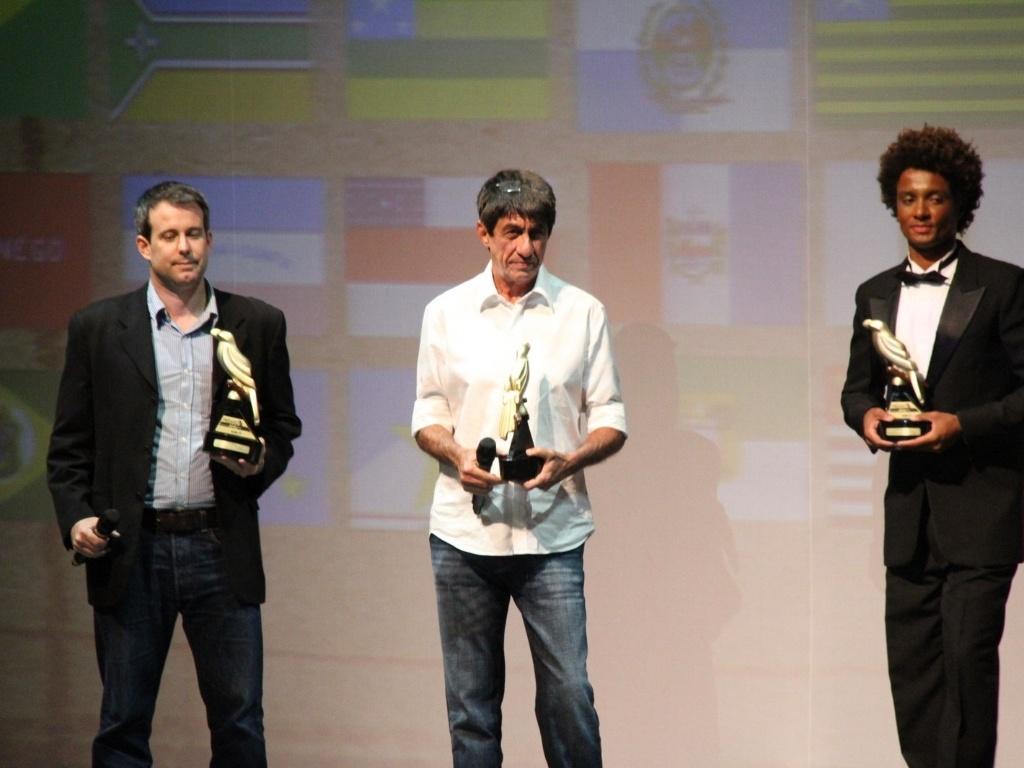 Três ações do Brasil foram premiadas: Piauí com Cineperiferia, Santa Catarina e as Cozinhas Comunitárias e o Rio de Janeiro e o projeto Voz das Comunidades. Todos ganharam o Anu Preto (28/2/12)