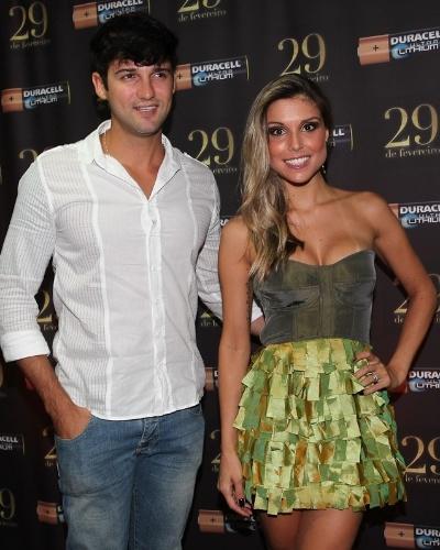 Os ex-BBBs, Fernando Justin e Flávia Vianna, também participaram da festa em São Paulo (29/2/12)