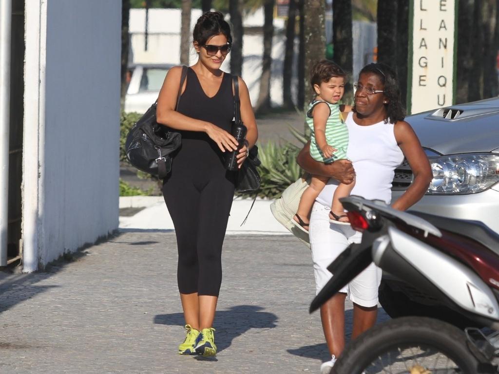 Juliana Paes vai a academia na Barra da Tijuca, zona oeste do Rio (2/3/2012)