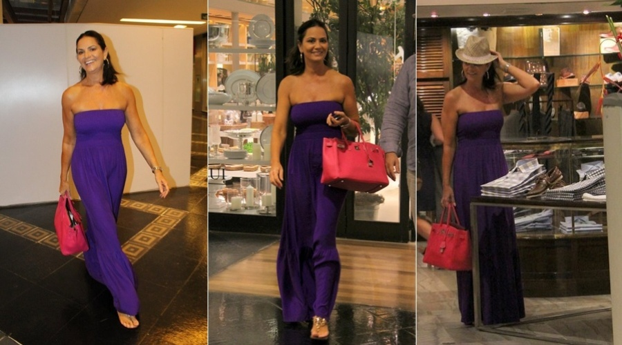 Luiza Brunet circula por shopping do Rio (2/3/2012)