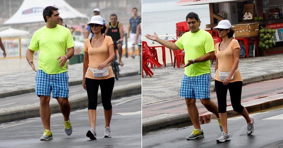 Zeca Camargo faz caminhada na orla do Leblon, no Rio de Janeiro (4/3/12)