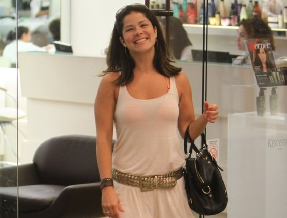 Samara Felippo deixa salão de beleza em shopping na Barra da Tijuca, no Rio de Janeiro (5/3/12)