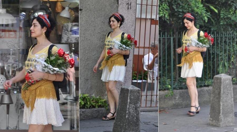 Letícia Sabatella caminha na Gávea, na zona sul do Rio de Janeiro (8/3/12)