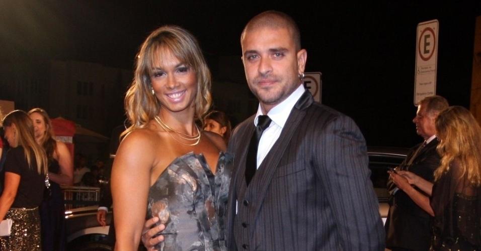 Diogo Nogueira em evento do príncipe Harry no Rio (9/3/12)