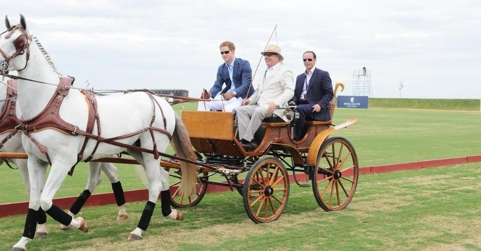 Em seu primeiro compromisso no estado de São Paulo, o príncipe Harry passeia de carruagem no campo do Haras Larissa, em Monte Mor, interior de São Paulo, para partida de polo beneficente