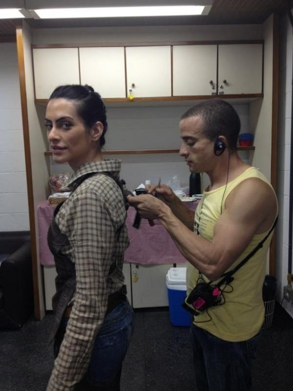 """Cleo Pires posta foto de bastidores de """"As Brasileiras"""" (12/3/12)"""