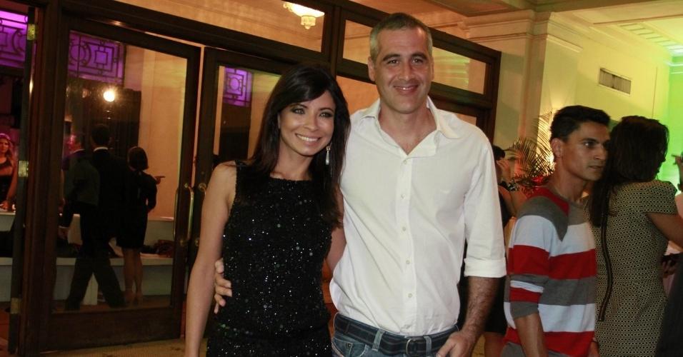 Ana Lima e o namorado Tico Cardoso na festa de 30 anos da promoter Carol Sampaio, no Copacabana Palace, no Rio de Janeiro (15/3/12)