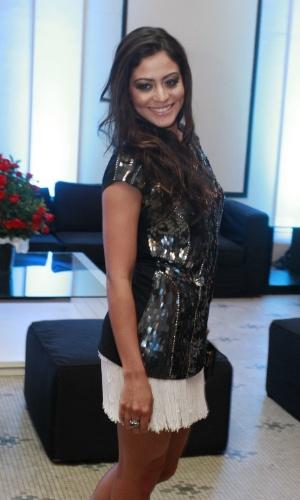 Carol Castro na festa de 30 anos da promoter Carol Sampaio, no Copacabana Palace, no Rio de Janeiro (15/3/12)