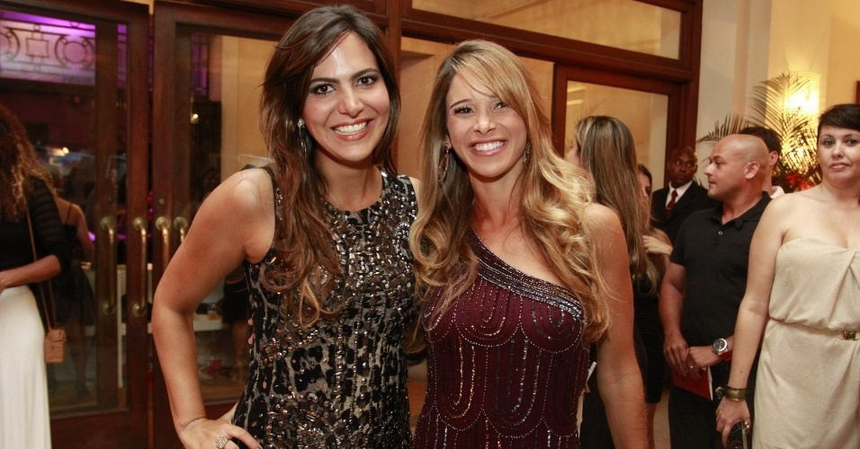 Carol Sampaio e Dani Bananinha na festa de 30 anos da promoter  no Copacabana Palace, no Rio de Janeiro (15/3/12)