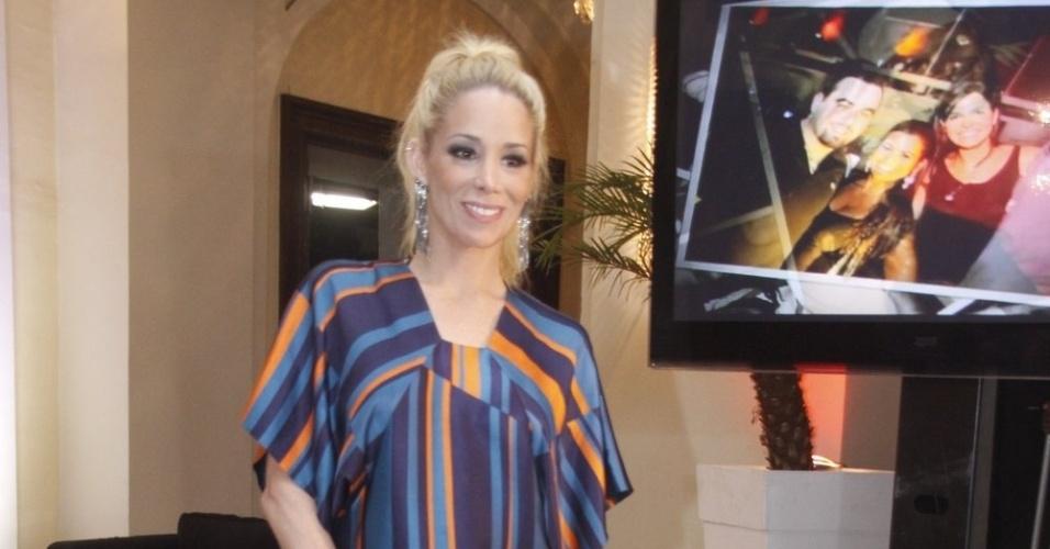 Danielle Winits prestigia o aniversário de 30 anos da promoter Carol Sampaio no Hotel  Copacabana Palace, no Rio De Janeiro (15/3/12)