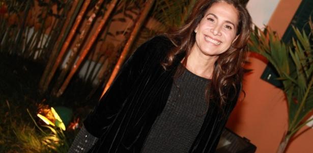 """Totia Meireles participa de festa de encerramento de """"Fina Estampa"""" (17/3/2012)"""
