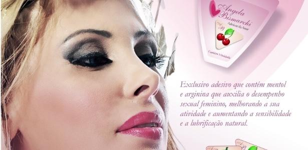 Ângela Bismarchi lança tapa-sexo do amor (20/3/2012)
