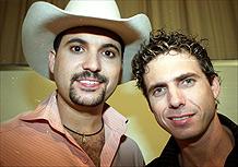 A dupla Edson e Hudson em São Paulo (04/10/2003)