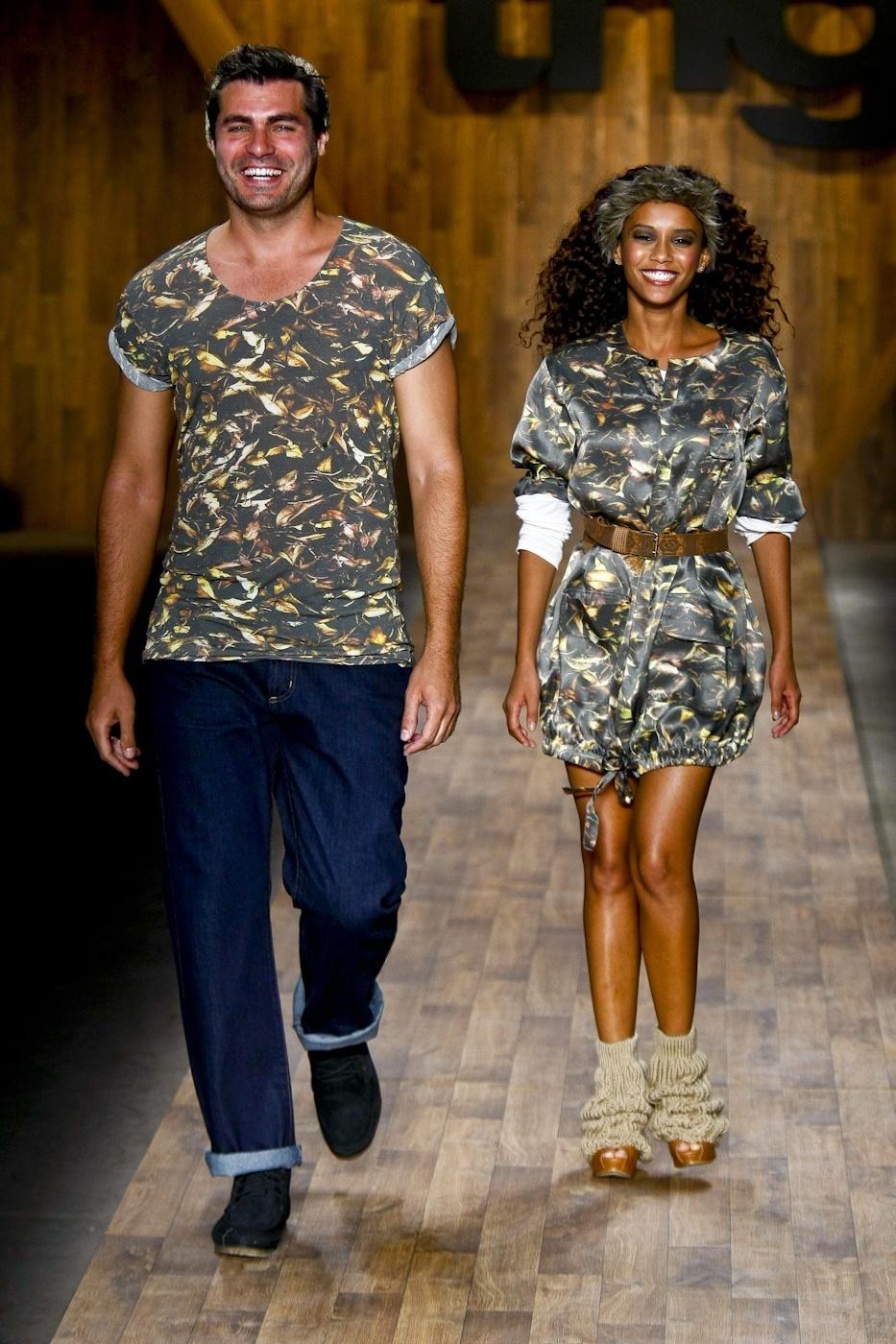 Thiago Lacerda e Taís Araújo desfilam para a TNG no Fashion Rio (11/01/2010)